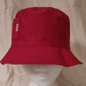Red cotton reversible hat